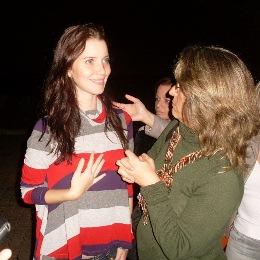 Ana entrevistando a atriz da Globo, Nathalia Dill
