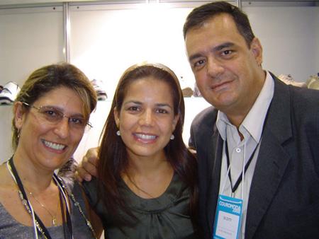 Ana e De Zotti com a atriz da Globo, Nívea Stelmann