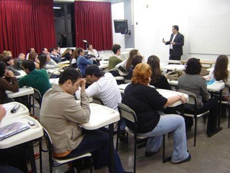Palestrando para os alunos da Comunicação Social, na Unisinos, 2010