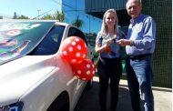 Fruki entrega o último veículo da campanha Palpite Premiado