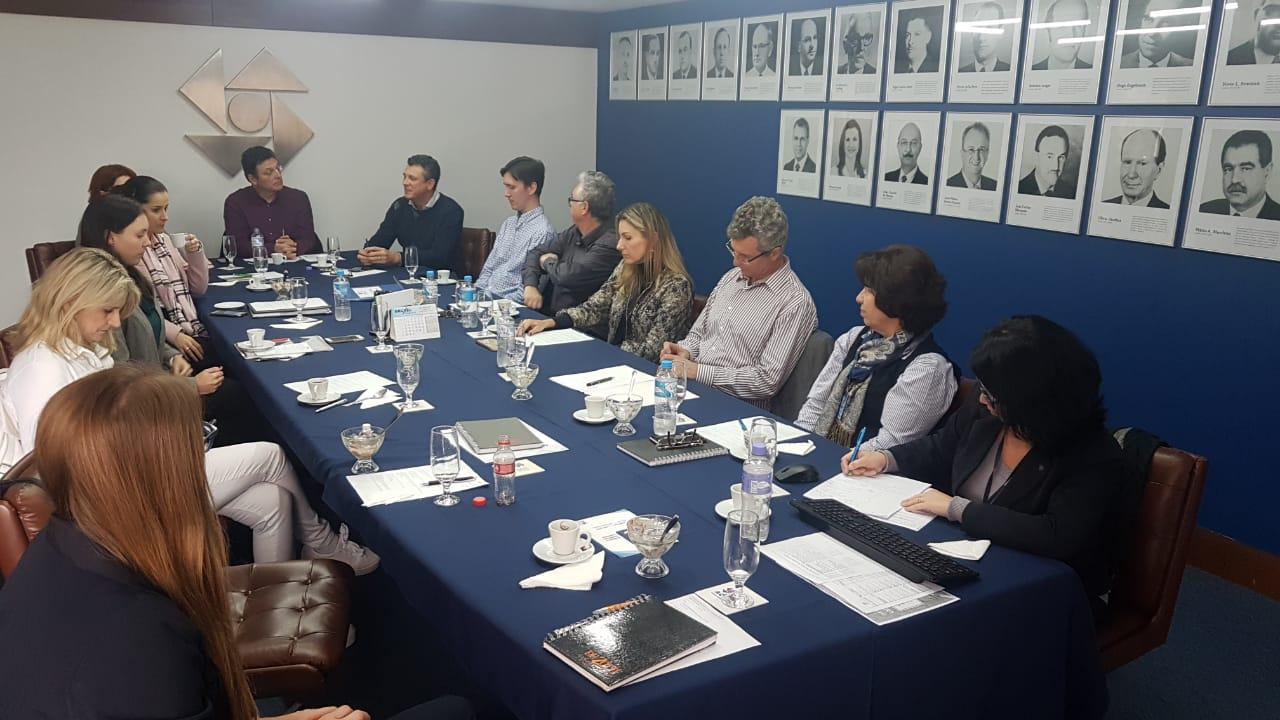 Ações do Planejamento Estratégico da ACI são apresentadas em reunião do Consed