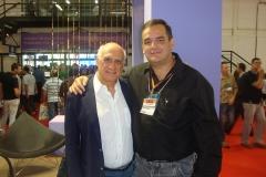 Com o jornalista Lasier Martins, na Fenac - 2011