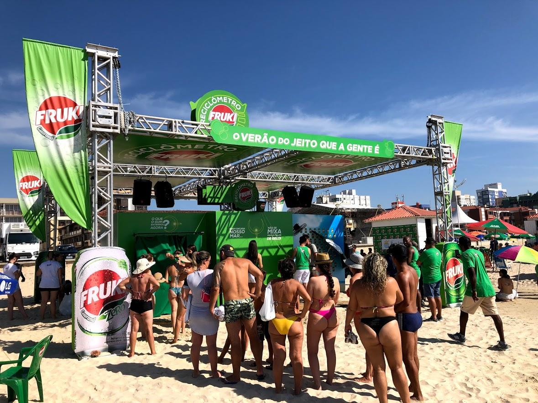 Reciclômetro da Fruki Guaraná recolheu 12 mil itens na praia